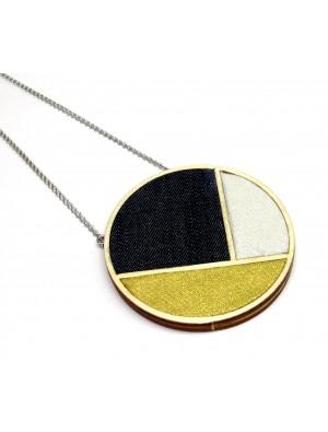 Colier din textil si lemn, negru, auriu, argintiu