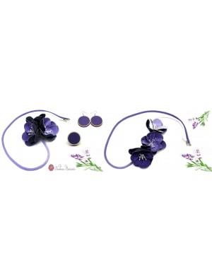 Set de colier, cercei si inel, din textil si lemn, mov, cu trei flori