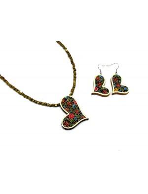 Set de colier si cercei din lemn si textil, cu model inimioara